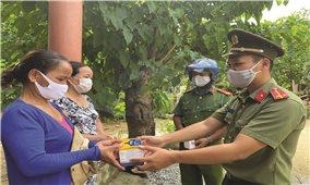 Công an Quảng Nam: Trên tuyến đầu chống dịch