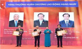 Lễ trao tặng huân chương, bằng khen cho lãnh đạo Quốc Hội, các cơ quan của UBTVQH, các cơ quan của Quốc hội và văn phòng Quốc hội