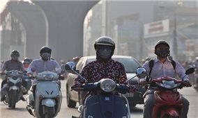 Không khí Hà Nội ô nhiễm, người dân hạn chế ra ngoài