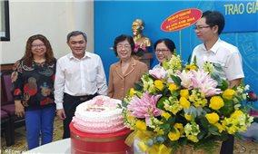 Ban Dân tộc TP. Hồ Chí Minh chúc mừng đảng viên người DTTS nhận Huy hiệu 55 tuổi Đảng