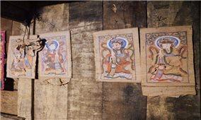 Xót xa tranh thờ của người Dao
