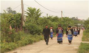 Gương sáng Người có uy tín ở bản Kan Hồ