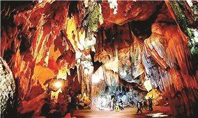 Khai thác hang động: Cần có chiến lược để phát triển du lịch