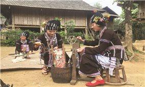 Nét đẹp trang phục truyền thống của phụ nữ dân tộc Lự