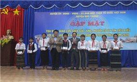Huyện Đức Trọng (Lâm Đồng): Gặp mặt giao lưu với hơn 100 già làng, Người có uy tín và học sinh người DTTS