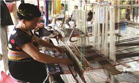Người dân miền núi Thanh Hóa: Chủ động học nghề để thêm cơ hội việc làm