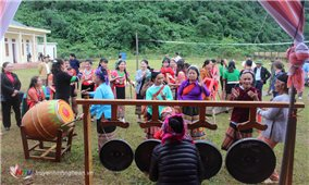 Tưng bừng Ngày hội Đại đoàn kết toàn dân tộc ở bản tái định cư Đan Lai