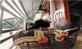 Sắc màu thổ cẩm dân tộc Thái