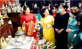 Giới thiệu các sản phẩm sáng tạo của phụ nữ Hà Nội và vùng Đồng bằng sông Hồng