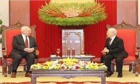 Việt Nam coi trọng củng cố và tăng cường quan hệ với Liên bang Nga