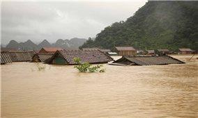 UNFPA hỗ trợ thêm 800.000 USD giúp phụ nữ và trẻ em gái chịu ảnh hưởng lũ lụt miền Trung