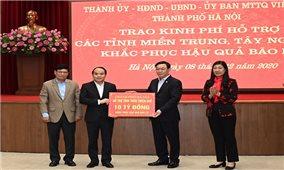 Hà Nội trao 91 tỷ đồng hỗ trợ các tỉnh miền Trung, Tây Nguyên khắc phục hậu quả bão lũ