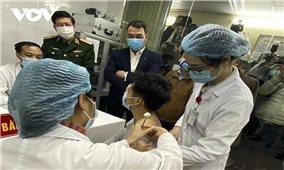 Sức khỏe của 3 tình nguyện viên tiêm thử vaccine Nanocovax ổn định