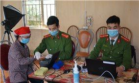 Lào Cai: Hỗ trợ người dân vùng sâu, vùng xa làm thẻ căn cước công dân