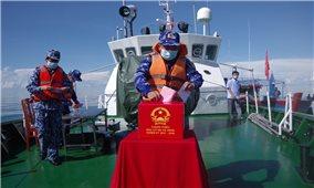 Bạc Liêu: 37 cử tri là cán bộ, chiến sĩ làm nhiệm vụ trên vùng biển bỏ phiếu bầu cử sớm