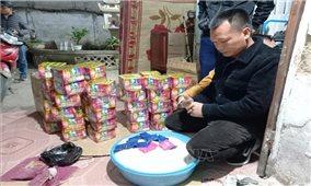 Bắt giữ hai đối tượng cất giấu pháo nổ và ma túy số lượng lớn