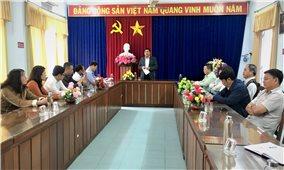 Thứ trưởng, Phó Chủ nhiệm Y Thông làm việc và chúc Tết tại tỉnh Phú Yên