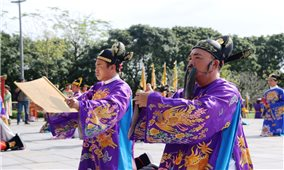 Tái hiện buổi thiết triều đầu năm mới ở Hoàng cung Huế