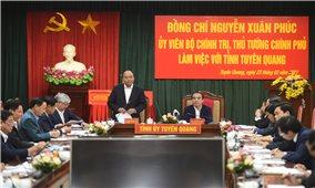 Thủ tướng Chính phủ Nguyễn Xuân Phúc làm việc tại Tuyên Quang