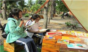 """Vĩnh Long: Mô hình """"Lều Trạng Nguyên"""" thu hút giới trẻ đến đọc sách"""