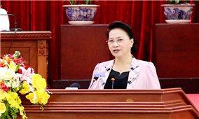 Chủ tịch Quốc hội Nguyễn Thị Kim Ngân tiếp xúc cử tri và làm việc với lãnh đạo TP. Cần Thơ