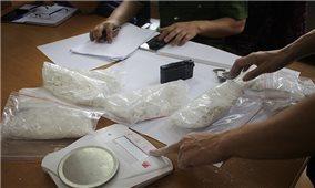 Lên Lóong Luông mua 6 bánh heroin mang về xuôi bán kiếm lời