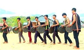 Rmah Mich và tình yêu văn hóa truyền thống