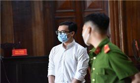 Nam tiếp viên hàng không lãnh 2 năm tù treo vì làm lây lan Covid-19