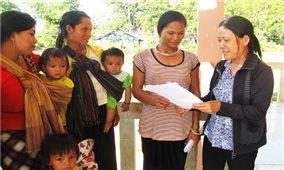 Giúp phụ nữ dân tộc thiểu số thoát nghèo