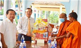 Lãnh đạo tỉnh An Giang chúc Tết Chôl Chnăm Thmây tại huyện Tri Tôn