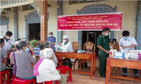 Khám bệnh miễn phí cho đồng bào Khmer nghèo