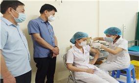Các địa phương tiến hành tiêm vắc xin Covid-19 đợt 1