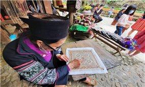 Nét đẹp nghề truyền thống của người Mông ở Cát Cát – Sapa
