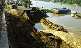 Bộ Nông nghiệp và Phát triển nông thôn: Đề xuất 2.000 tỷ đồng hỗ trợ các tỉnh ĐBSCL xử lý cấp bách sạt lở bờ sông, bờ biển