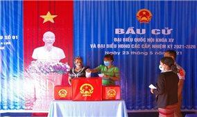 Quân dân vùng biên giới huyện A Lưới nô nức tham gia bầu cử