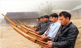 Nghệ An: Mở lớp truyền dạy thổi khèn, múa khèn Mông