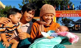 """Triển lãm ảnh """"Gia đình - Tổ ấm yêu thương"""" tôn vinh giá trị tốt đẹp của gia đình Việt Nam"""