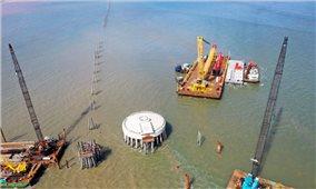 Toàn cảnh Dự án Nhà máy Điện gió Đông Hải 1 đang hình thành tại Trà Vinh