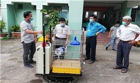 Độc đáo robot giúp phòng dịch COVID-19 của nhóm sáng chế ở Trà Vinh