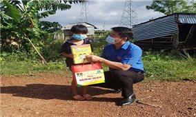 """Bình Thuận: """"Nghìn cuốn sách -Triệu ước mơ"""" đến với trẻ em dân tộc thiểu số"""