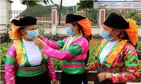 Phụ nữ huyện Mèo Vạc phòng chống dịch Covid-19