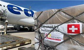 Thụy Sĩ gửi 13 tấn trang thiết bị y tế viện trợ cho Việt Nam