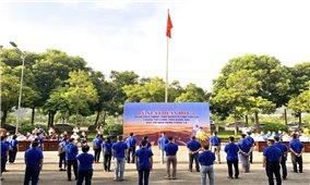 Lào Cai tiếp tục tăng cường 40 cán bộ y tế vào Đồng Nai chống dịch