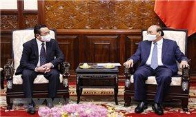 Chủ tịch nước Nguyễn Xuân Phúc tiếp Đại sứ Mông Cổ đến chào từ biệt