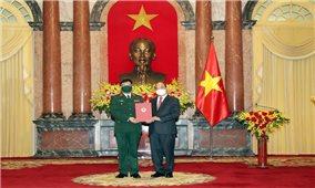 Trao quyết định thăng quân hàm Thượng tướng đối với Giám đốc Học viện Quốc phòng