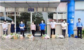 Cần Thơ: Trao quà hỗ trợ cho du học sinh Campuchia