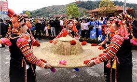Bảo tồn văn hóa gắn với phát triển du lịch ở Lai Châu: Khắc phục hạn chế, khai thác hiệu quả tiềm năng (Bài 2)