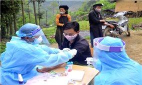Các địa phương tăng cường xét nghiệm, tiêm chủng phòng Covid -19