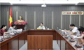 Bộ trưởng, Chủ nhiệm UBDT Hầu A Lềnh làm việc với Vụ Kế hoạch – Tài chính