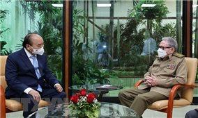 Chủ tịch nước Nguyễn Xuân Phúc gặp Đại tướng Raul Castro Ruz